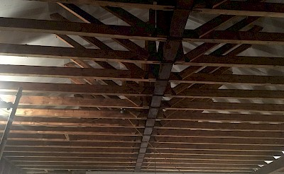 Soot cleaning from internal roof trusses